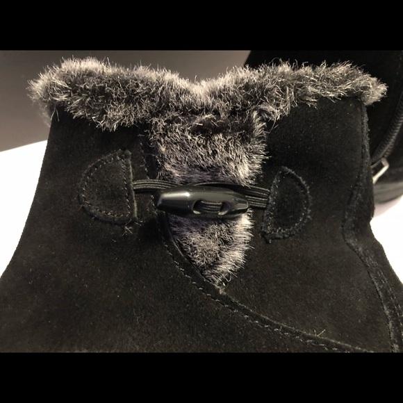 """8cce1359720 """"Gracie"""" Khombu black suede ankle boots Sz 8. Khombu.  M 5b9ee439aa571929700f6709. M 5b9ee43a4ab6337d38eed648.  M 5b9ee43bdf0307186d4130ca"""